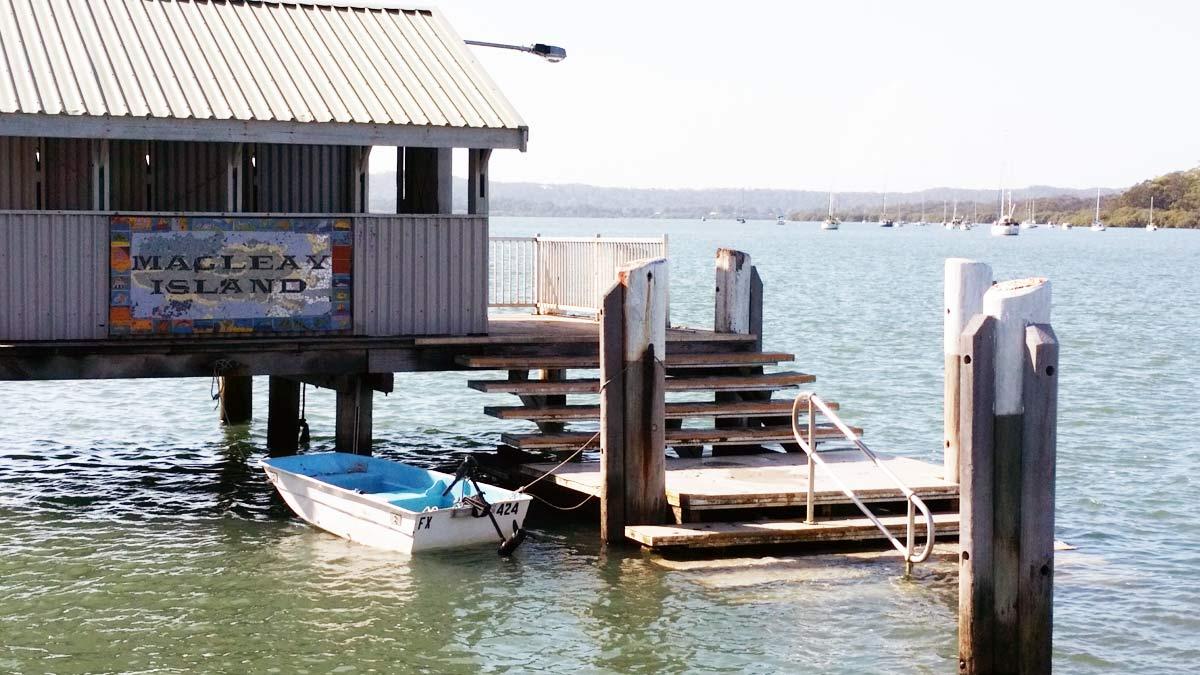 Macleay Island Ferry Vehicle